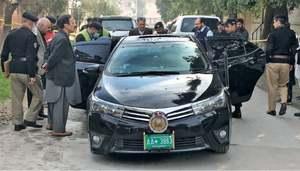 PHC judge, driver injured in Peshawar gun attack