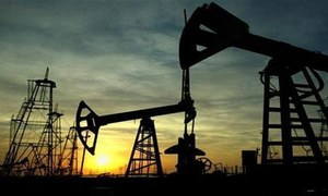 Oil price rising as glut evaporating