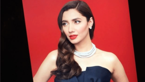 Mahira Khan looks gorgeous in this BTS shot of her next film 'Superstar'