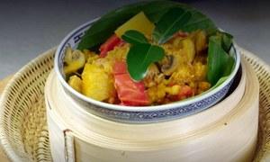 کمبوڈیا کا مچھلی اور مرغی کے گوشت کا منفرد اور ذائقے دار سالن
