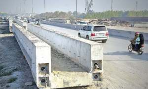 Top managers of Peshawar bus project removed