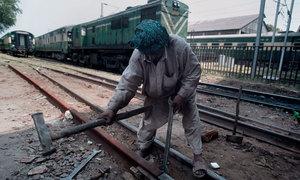 مال گاڑی کو حادثہ، ملک بھر میں مسافر ٹرینیں تاخیر کا شکار