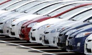 Auto financing shrinks sharply amid rising interest rates