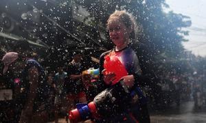 تھائی لینڈ: سال نو کی خوشی میں 'پانی کی جنگ'