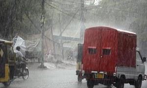 ملک میں جاری شدید بارشوں کے باعث ہلاکتوں کی تعداد 39 ہوگئی
