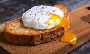 گرمی میں دن میں کتنے انڈے کھانے چاہئیں؟