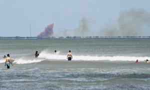 SpaceX capsule suffers 'anomaly', throws up large plumes of smoke