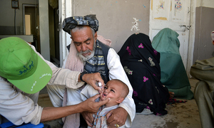 Following rumours, refusals to vaccinate children against polio rise by 85pc in KP