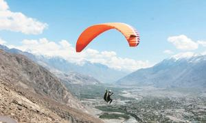 Paragliding gets popular with GB youth