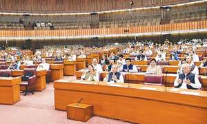 Opposition fails to cash in on PM's rare arrival at NA