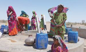 Nagarparkar residents urge PPP govt to supply water through pipes as promised