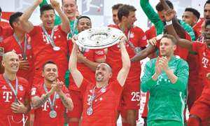 Robben, Ribery sign off with goals as Bayern retain title