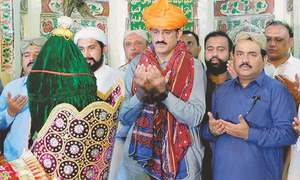 Murad asserts Sindh govt's authority to transfer police, bureaucracy