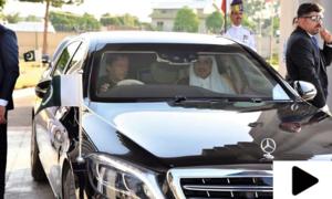 جب وزیر اعظم عمران خان نے امیر قطر کی گاڑی خود چلائی