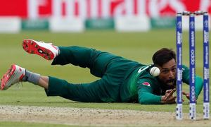 'No more dropped catches,' urge Twitterati after Pakistan keep World Cup dream alive