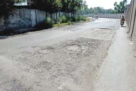 Broken roads in Rawalpindi a nuisance for motorists