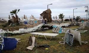 یونان میں سمندری طوفان سے تباہی اور جانی نقصان