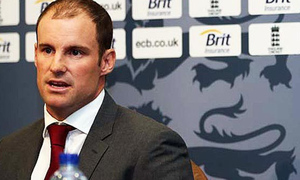 Strauss urges Stokes to stay grounded