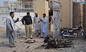 ڈیرہ اسمٰعیل خان میں فائرنگ اور خودکش دھماکا، 6 پولیس اہلکاروں سمیت 9 شہید