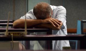 Stocks lose 2,237 points in jittery week