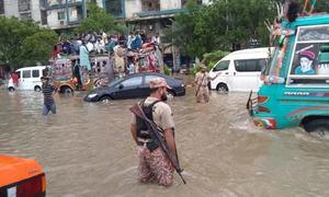 شدید بارشوں سے کراچی میں سیلابی صورتحال
