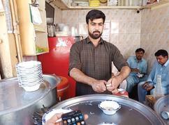 Peshawari Falooda continues to attract customers