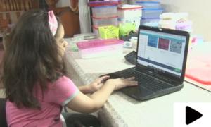 سلائم بنا کر اپنا آن لائن کاروبار کرنے والی 11 سالہ بچی