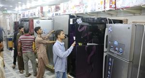 In a slowing economy, appliance sales paint mixed picture
