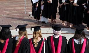 بریگزٹ: برطانیہ میں غیرملکی طلبہ کو تعلیم مکمل کرنے کے بعد دو سال تک ملازمت کی اجازت