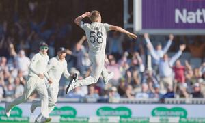 Sublime Smith stands tall again to rescue Australia