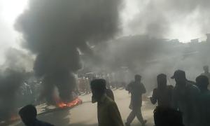 قصور: 3 بچوں کے 'ریپ اور قتل' کے خلاف علاقہ مکینوں کا پرتشدد مظاہرہ
