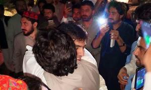 رکن قومی اسمبلی محسن داوڑ اور علی وزیر مشروط ضمانت پر رہا