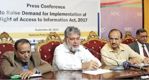 Govt not providing administrative support to information commission