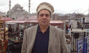 Pemra's ban on Hafeezullah Niazi suspended by LHC