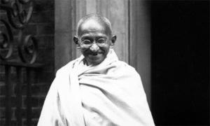 Gandhi's ashes stolen, photos defaced