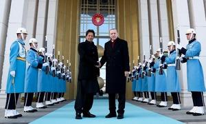 PM Imran assures Erdogan of Pakistan's support, solidarity over Turkey's Syria operation