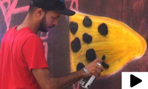 چینی فنکار  نے کراچی کی دیواروں کو نیا رنگ دے دیا