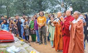 Buddhist monks offer prayers for peace in Kashmir
