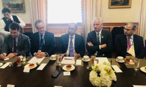 پاکستانی وفد کی آئی ایم ایف، ورلڈ بینک کے حکام سے ملاقات، معاشی اقدامات پر بریفنگ