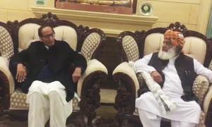 چوہدری برادران کی فضل الرحمٰن سے ملاقات،'حکومت اور اپوزیشن میں کوئی ڈیڈلاک نہیں'