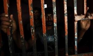 پاکستان کی 114 جیلوں میں گنجائش سے 19 ہزار قیدی زیادہ ہیں، محتسب