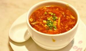 چکن کارن کے بعد ہاٹ اینڈ سار سوپ بنائیں