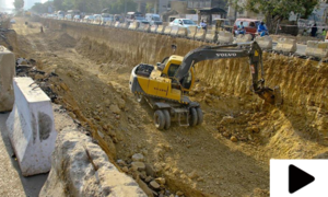 کراچی میں گرین لائن بس منصوبہ تاخیر کا شکار