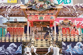 Shinto festival carries on centuries-old tradition in Japan