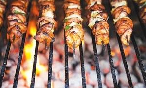 پاکستان آکر گوشت کھانے کا اپنا الگ ہی مزہ ہے