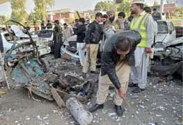 Policeman among 11 injured in Peshawar rickshaw blast