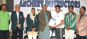 Coaching courses play vital role in any sport: Asif Azeem