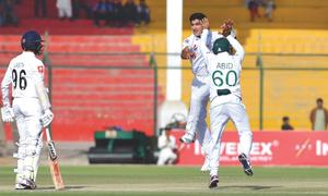 Nasim's five-for concludes proceedings as Pakistan trounce Sri Lanka