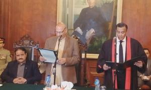 جسٹس مامون رشید نے لاہور ہائیکورٹ کے چیف جسٹس کے عہدے کا حلف اٹھالیا