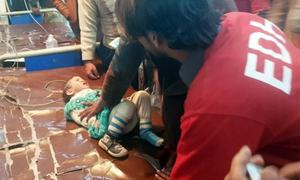 سکھر: منہدم عمارت کے ملبے سے 21 گھنٹے بعد 3 سالہ بچی زندہ نکال لی گئی